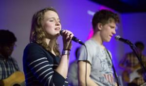 250 Jugendliche Feuer und Flamme für Jesus